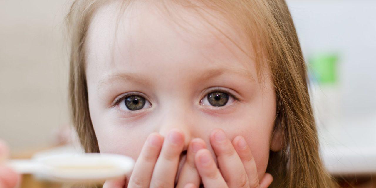 Come dare le medicine ai bambini? Le strategie no-stress