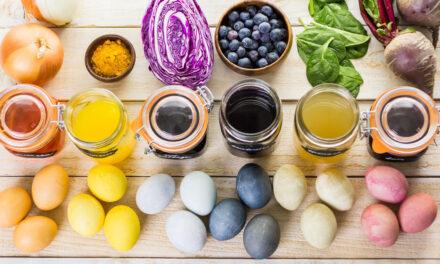 Colorare le uova di Pasqua in modo naturale