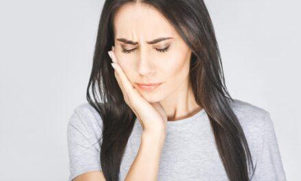 La stomatite aftosa ricorrente (afta): cause e rimedi