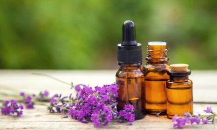 Usare gli oli essenziali per l'aromaterapia